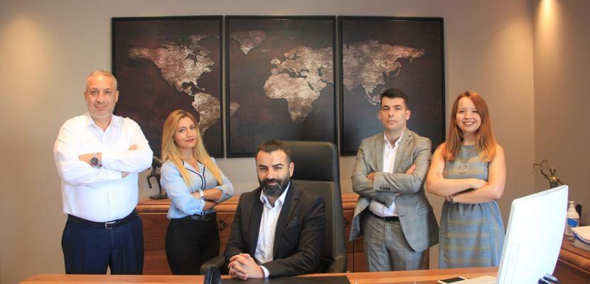 Erinan hukuk bürosu yeni yerinde bir çok ünlünün katılımı ile açılışını yaptı